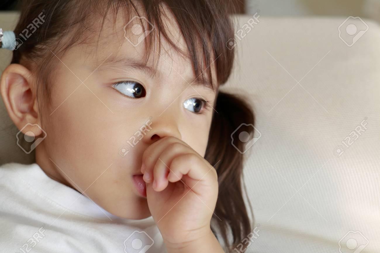 watching-japanese-sucking-girl-girls-giving-oral