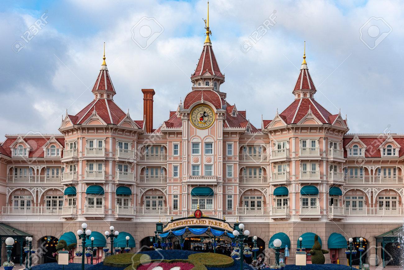 Paris, France - 18/12/2017 Disneyland Resort Paris Hotel. Disney Park Paris France. - 159559342