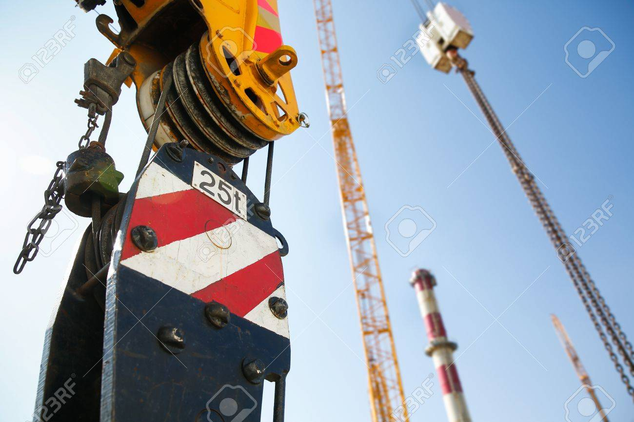 pulley of a mobile lifting crane on a construction site capable