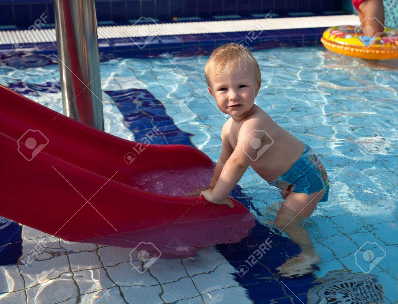 Picture a young boy in a swimming pool Stock Photo - 21379767