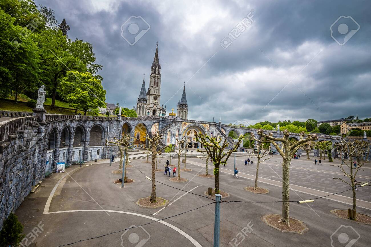 Rosary Basilica And Rosary Square - Sanctuary Of Our Lady Of Lourdes, Lourdes, Hautes-Pyrenees, Occitanie, France, Europe - 146820632