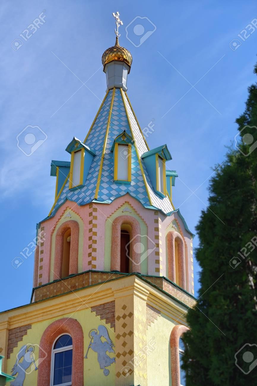 1146 年設立の Dedilovo 村で古...