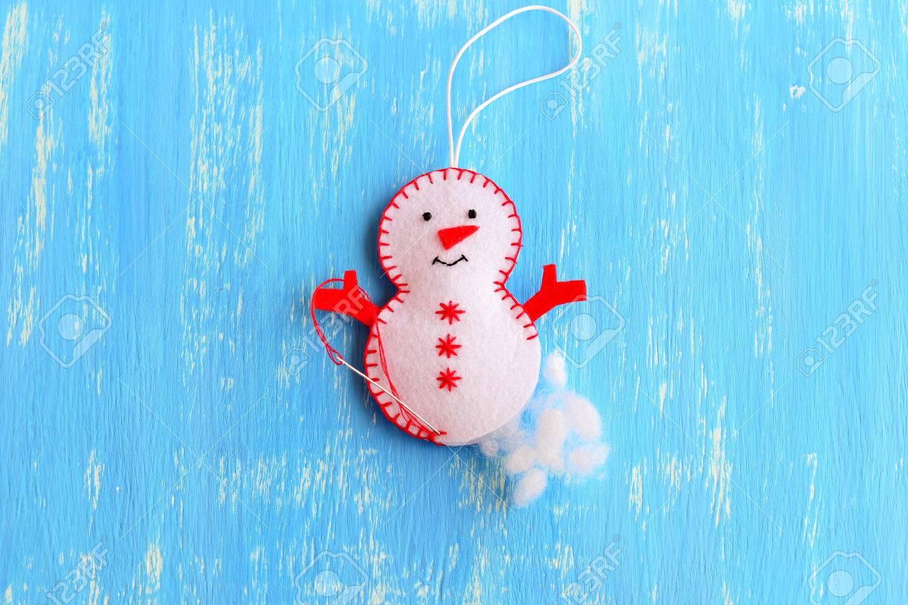 Wie Ein Weihnachten Filz Schneemann Ornament Zu Nähen. Schritt ...