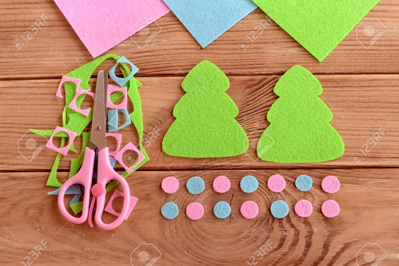 Felt Christmas Tree Pattern.How To Sew Christmas Decoration Step Felt Christmas Tree Patterns