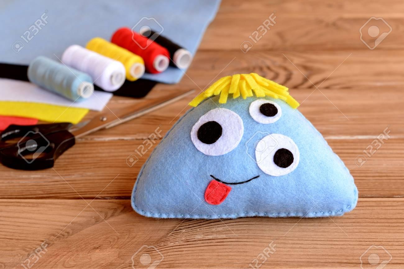 Nettes Filzmonsterspielzeug. Filz Genäht Spielzeug Für Kinder ...