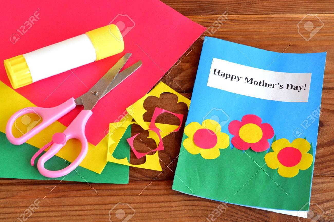 Manualidades Infantiles.El Dia De Madre Feliz Manualidades Infantiles Tijeras Pegamento