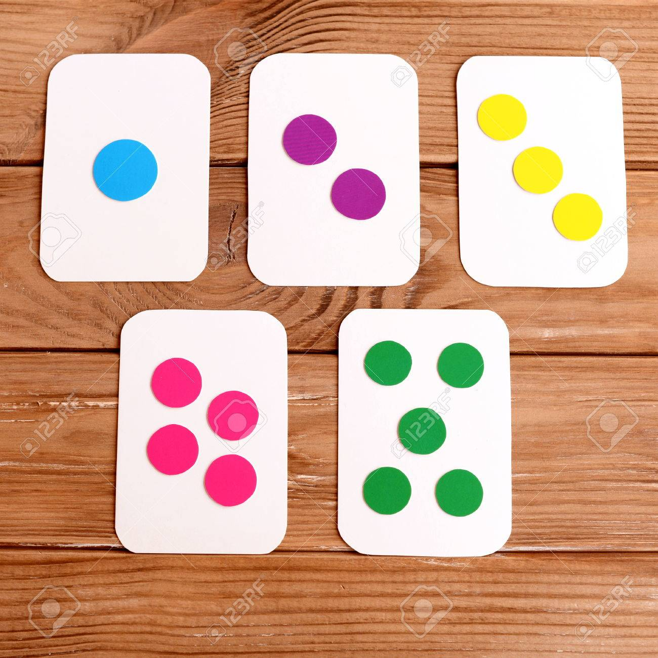 A set of flash cards to teach number and colors. How to make..