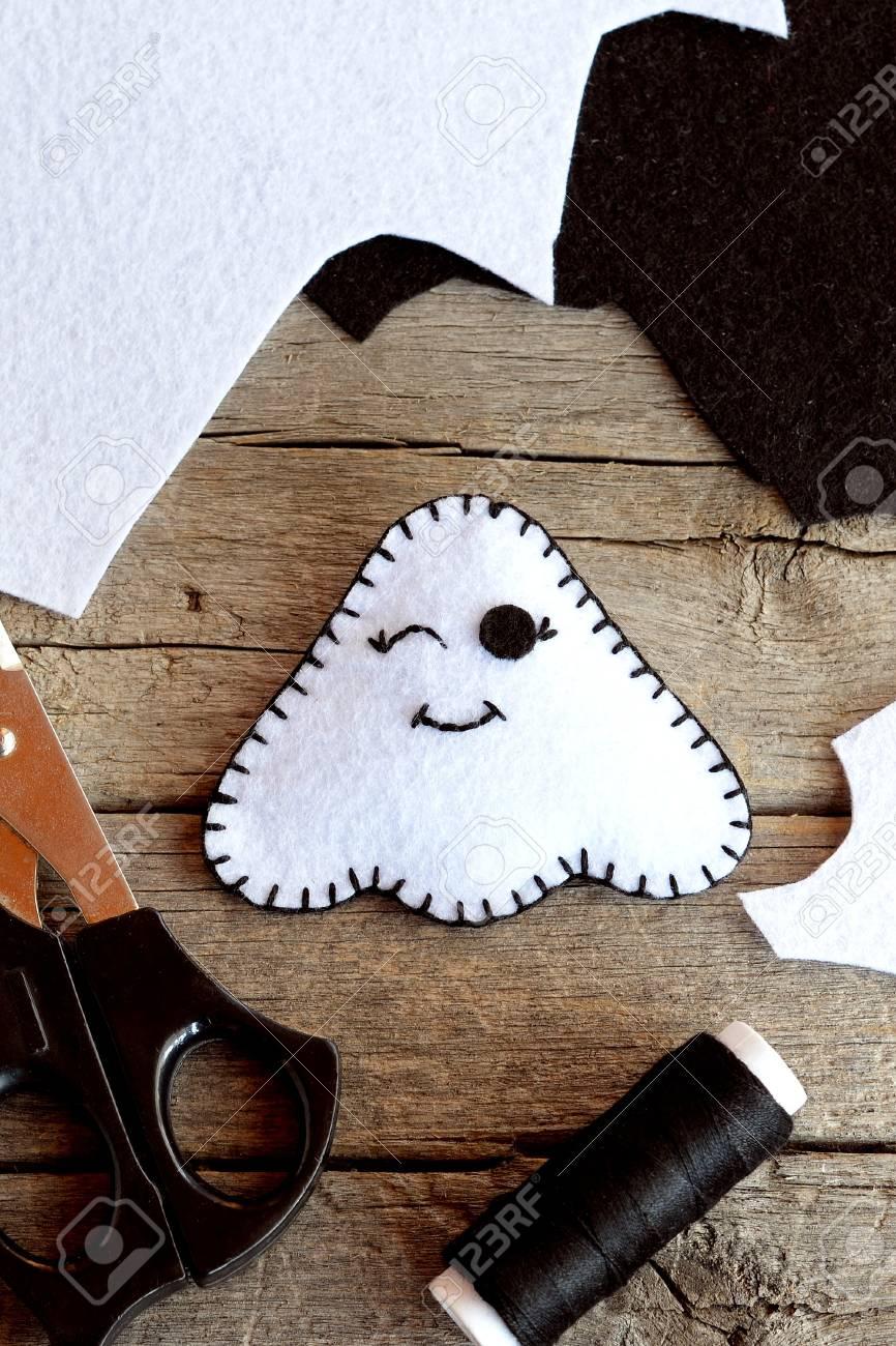 Cute Felt Halloween Ghost Toy Scissors Black Thread Scraps