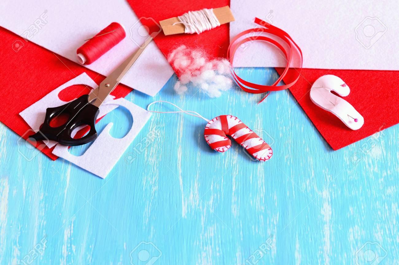Weihnachtsbaumsussigkeits Stockdekoration Gemacht Vom Weissfilz Und