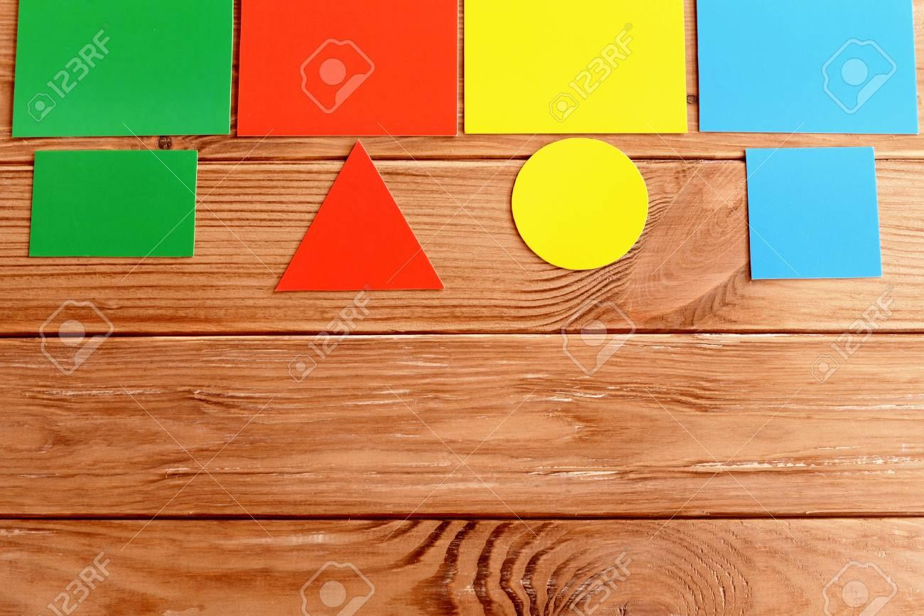 Tarjetas De Papel Para Enseñar A Los Niños De Color Y Forma ...