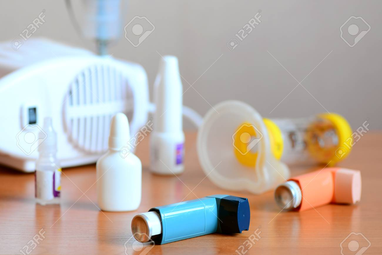 Equipo Medico Y Medicamentos Para El Tratamiento Del Asma Nebulizador Inhalador Espaciador Nebulosa Medicamentos Antiinflamatorios Para Controlar
