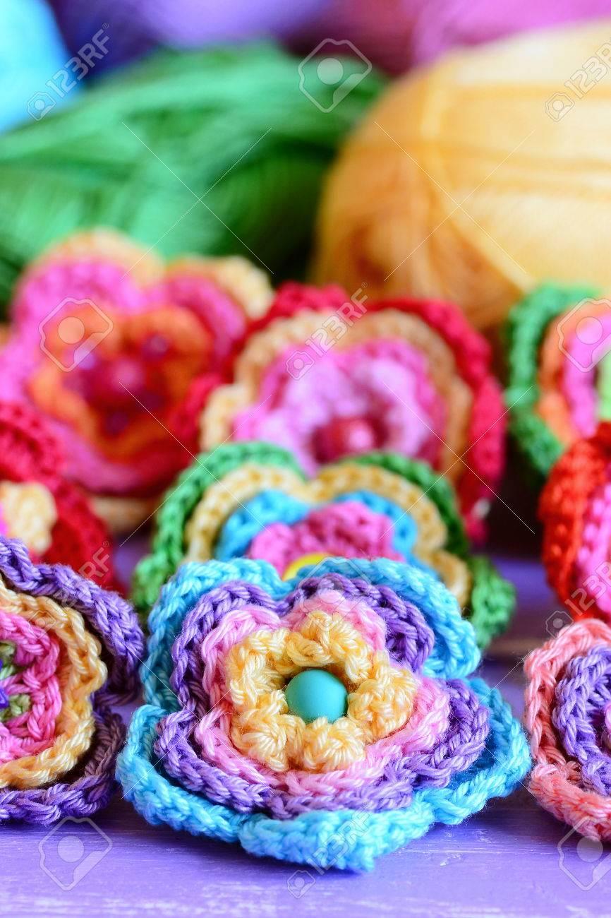 Häkeln Sie Mehrfarbige Blumen Häkeln Sie Blumenmotive Und Muster