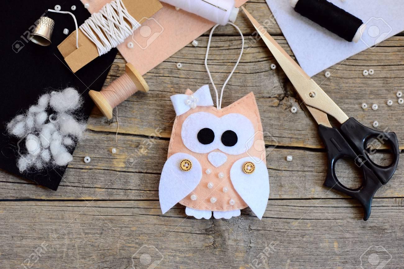 creative owl christmas tree decor made from felt scissors thread needle thimble - Christmas Tree Decorated With Owls