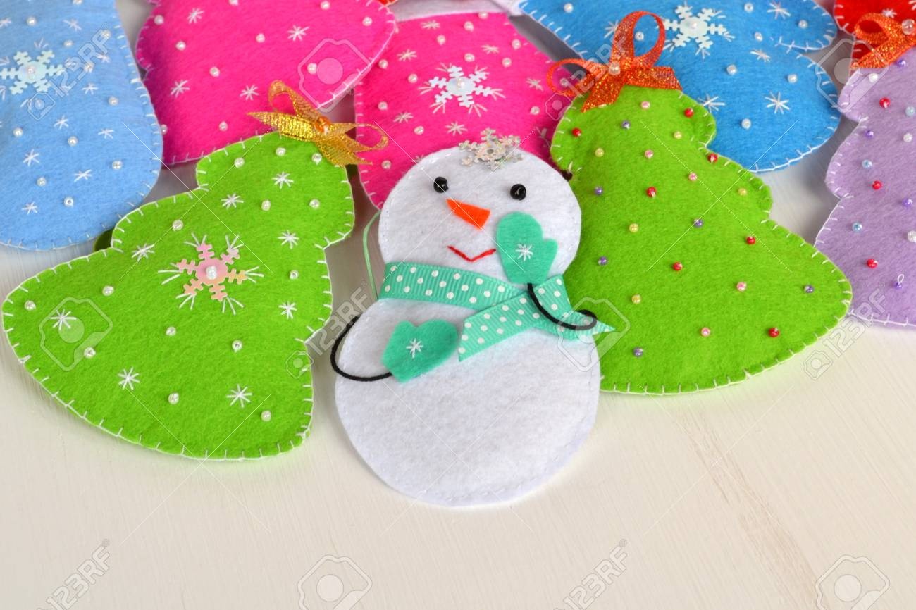 40+ Awesome Felt Christmas Ornaments
