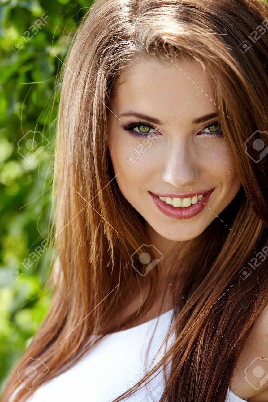Outdoor portrait of a sexy woman Stock Photo - 11800143