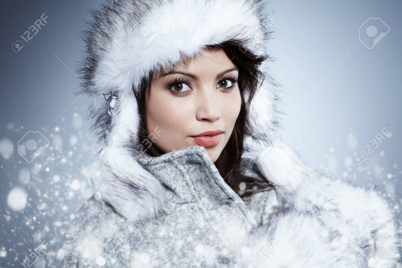 Smiling Winter Woman Stock Photo - 11938540