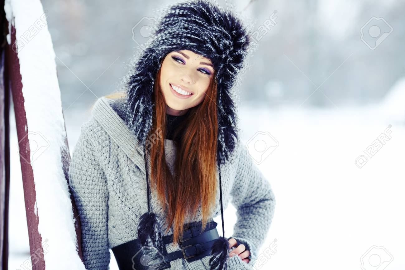 Young woman winter portrait  Shallow dof Stock Photo - 17130161