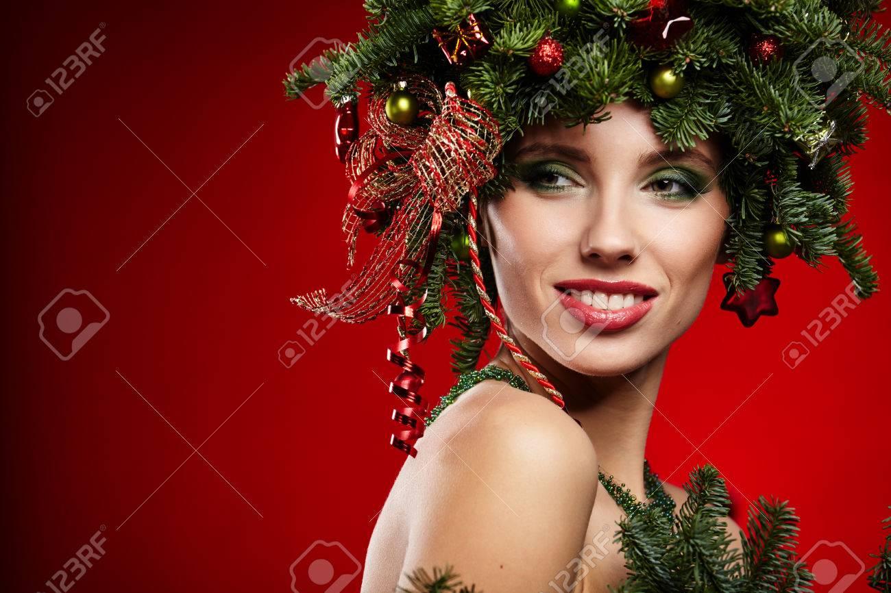 Schonheit Mode Modell Madchen Mit Weihnachtsbaum Frisur Lizenzfreie