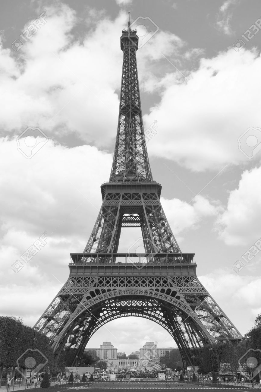 Eiffel tower, Paris. Black and white image Stock Photo - 14794359