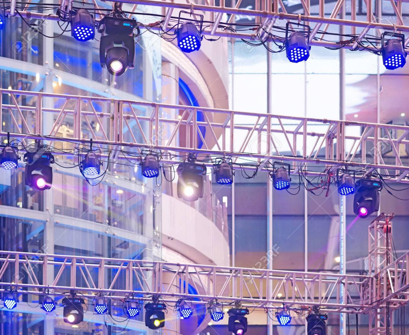 Potenza picena nuova illuminazione per il comune e il teatro