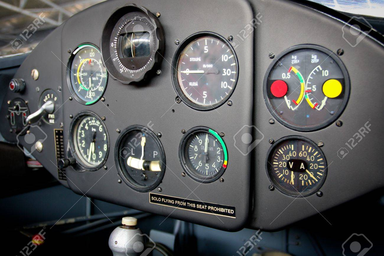 Airplane Cockpit Stock Photo - 12844183