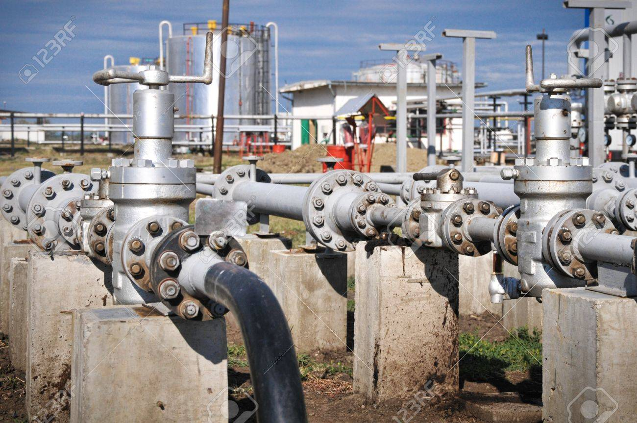 Industries of oil refining and gas Stock Photo - 15031416