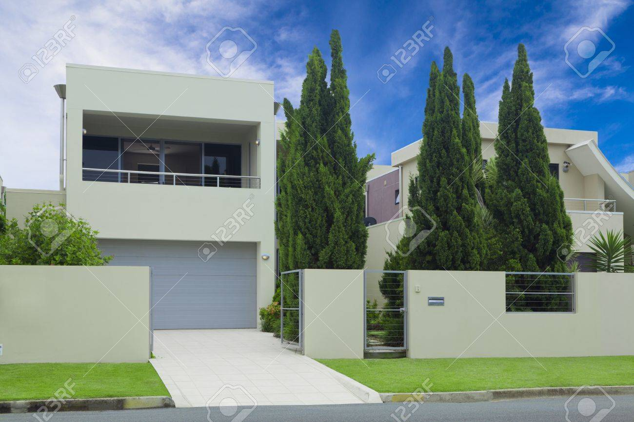 Modern Multilevel House Front With Double Garage, Pine rees ... - ^