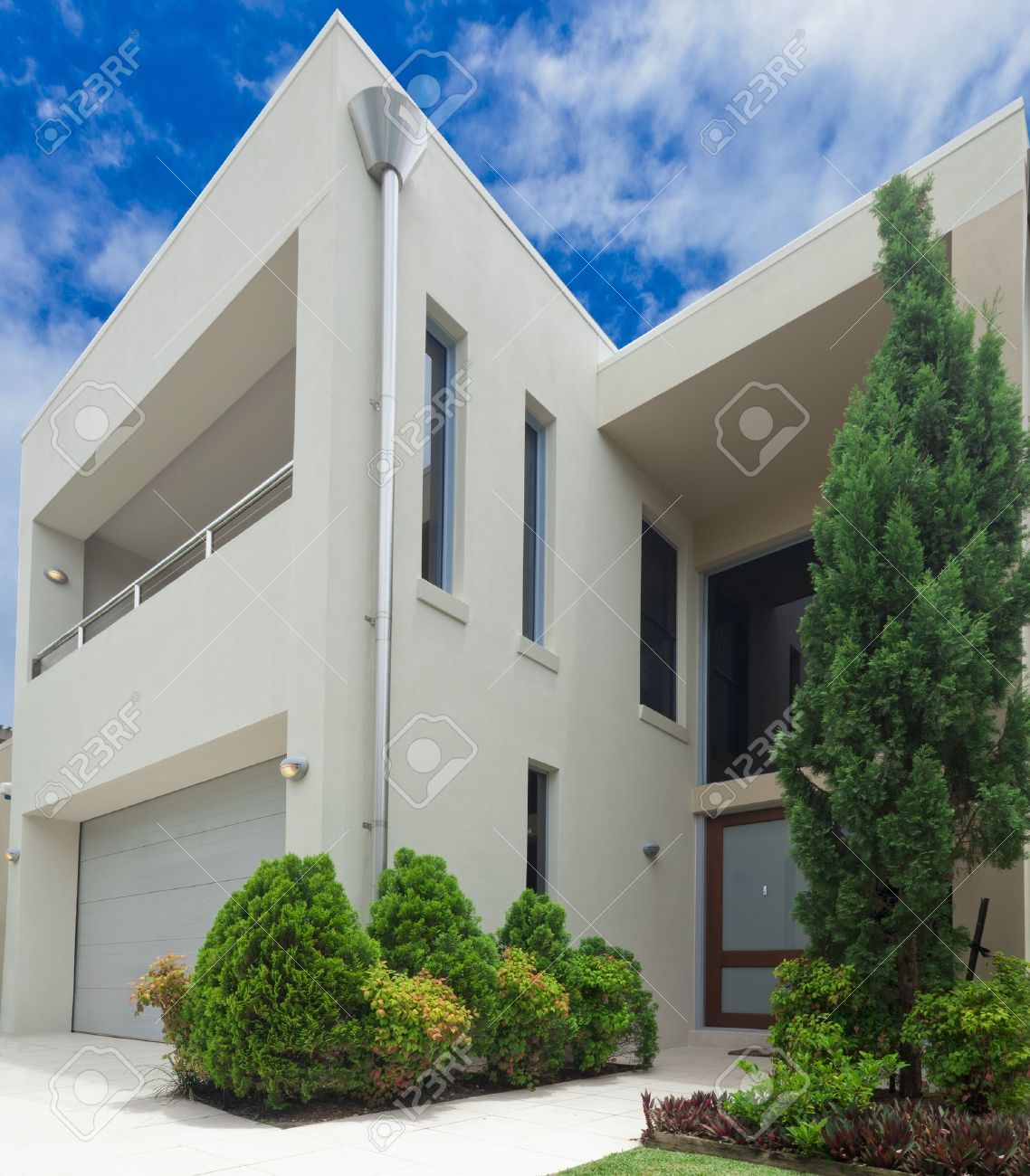 Luxurious Modern Multilevel House Front Stock Photo, Picture nd ... - ^