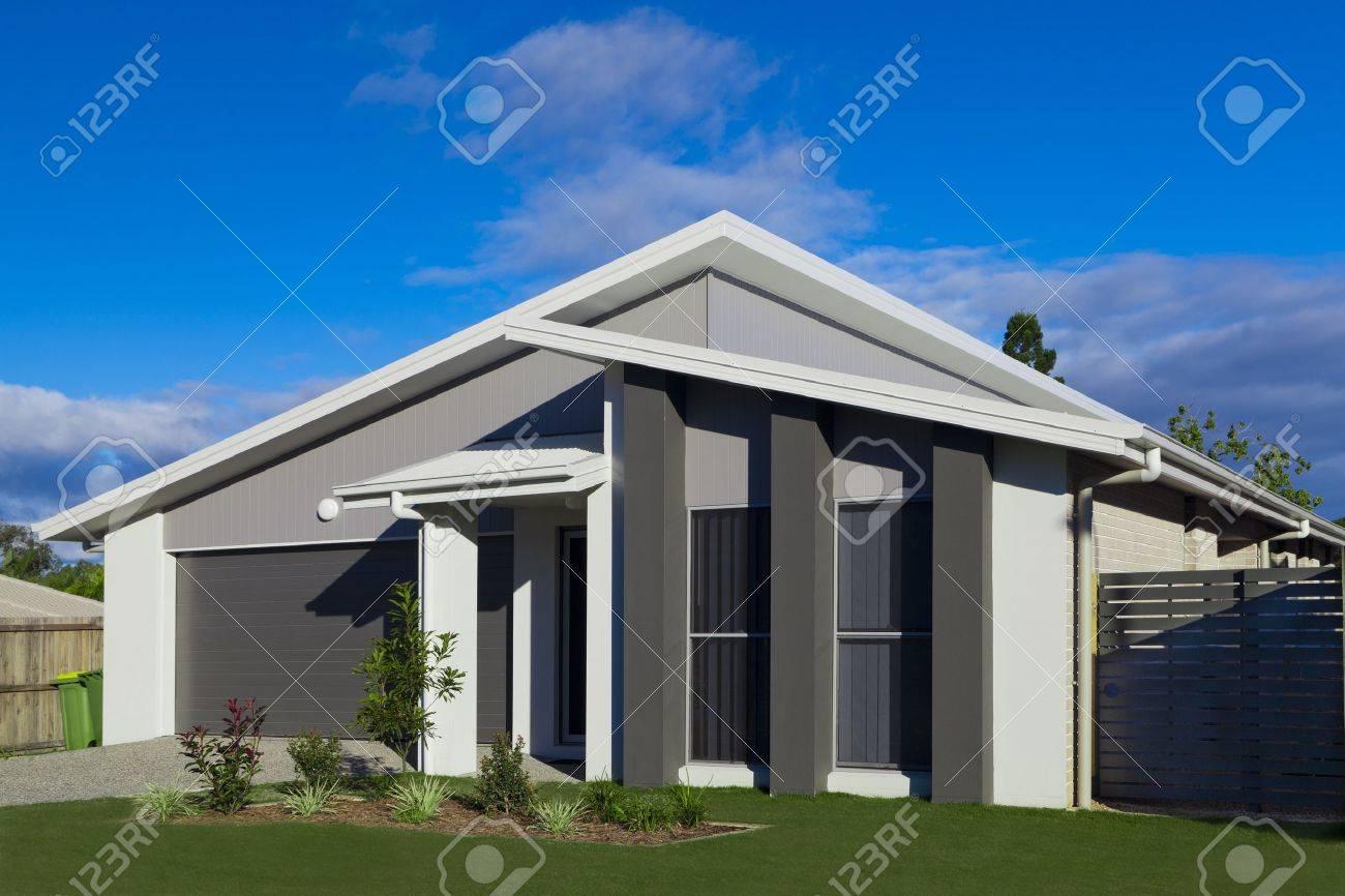 Australian suburban townhouse Stock Photo - 16791410