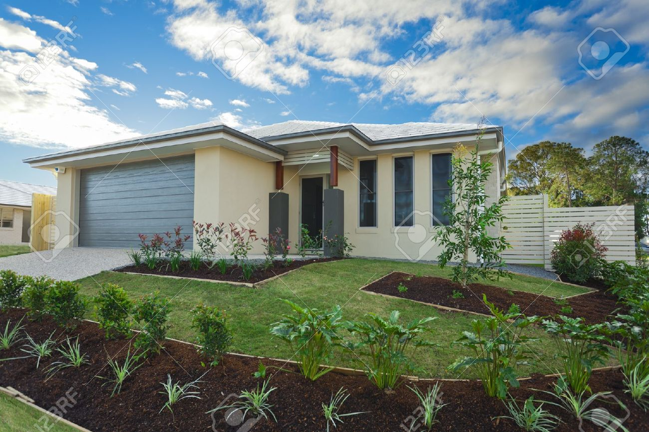 New suburban Australian townhouse Stock Photo - 16791393