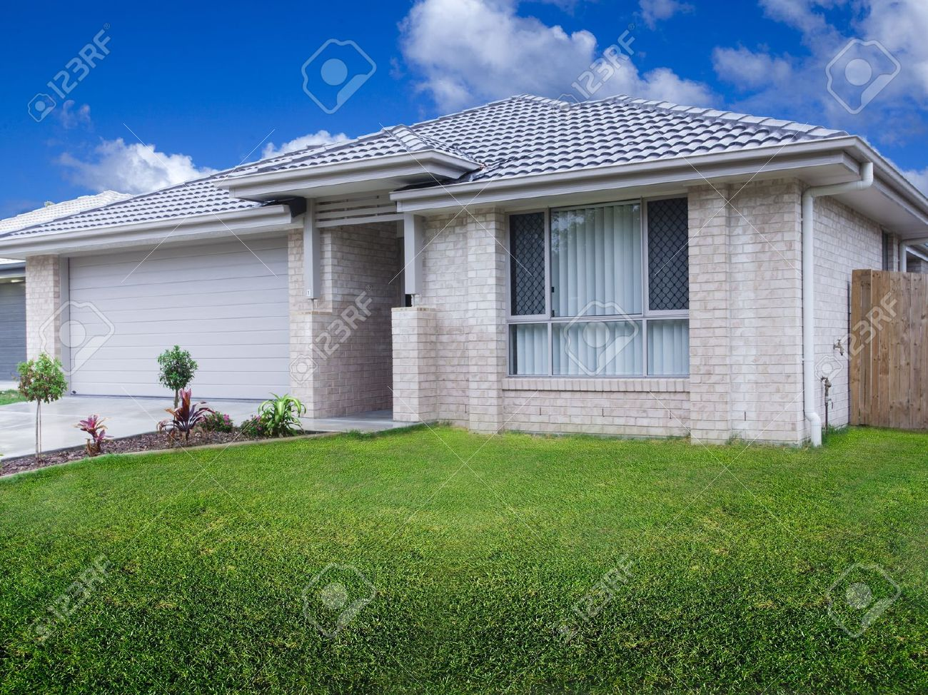 New duplex house front Stock Photo - 18456162