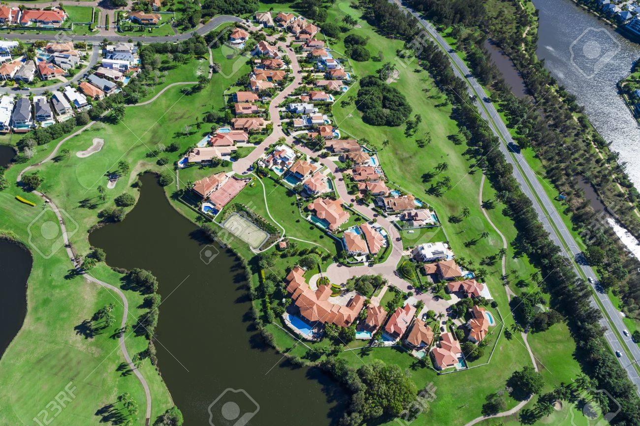 Luftaufnahme der australische Luxus-Golf-Nachbarschaft Standard-Bild - 21862899