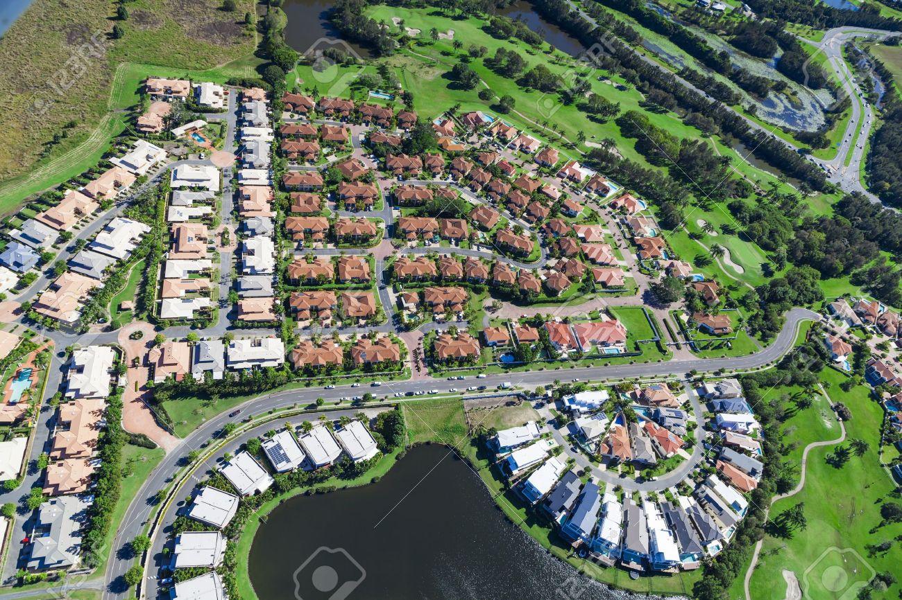 Luftbild von Luxus australische Nachbarschaft Standard-Bild - 21862902