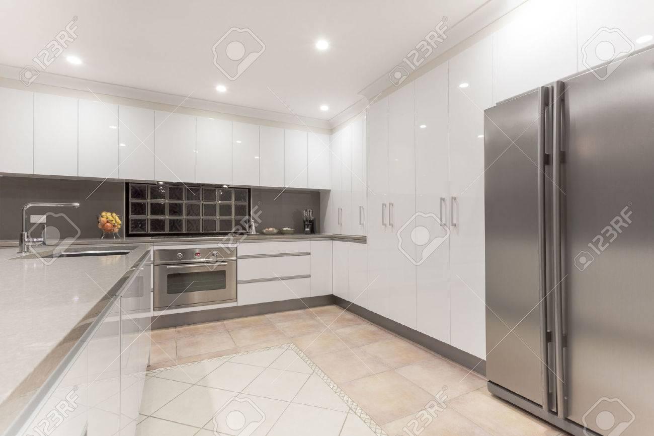 Neue Moderne Minimalistische Kuche Interieur Lizenzfreie Fotos