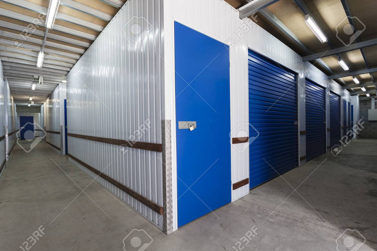 Warehouse with private storage sheds Standard-Bild - 36454975