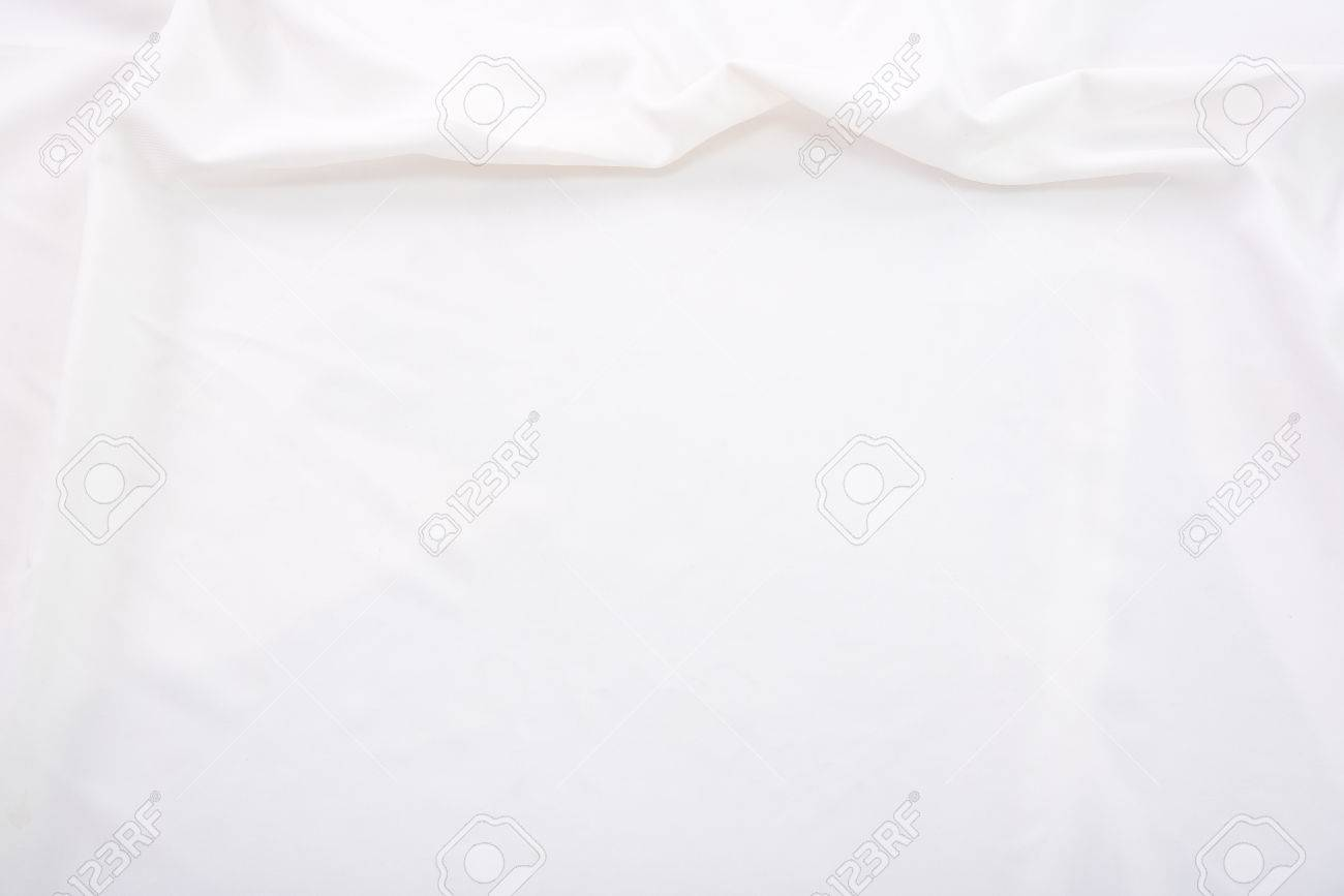 white bed sheet texture. Close Up Of Wrinkled White Color Fabric Bed Sheet Texture Background. Stock Photo - 59158682 R