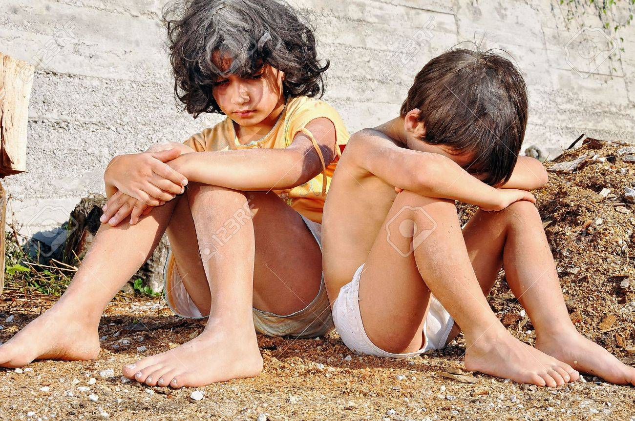 Poverty and poorness on the expression of children Stock Photo - 5488775
