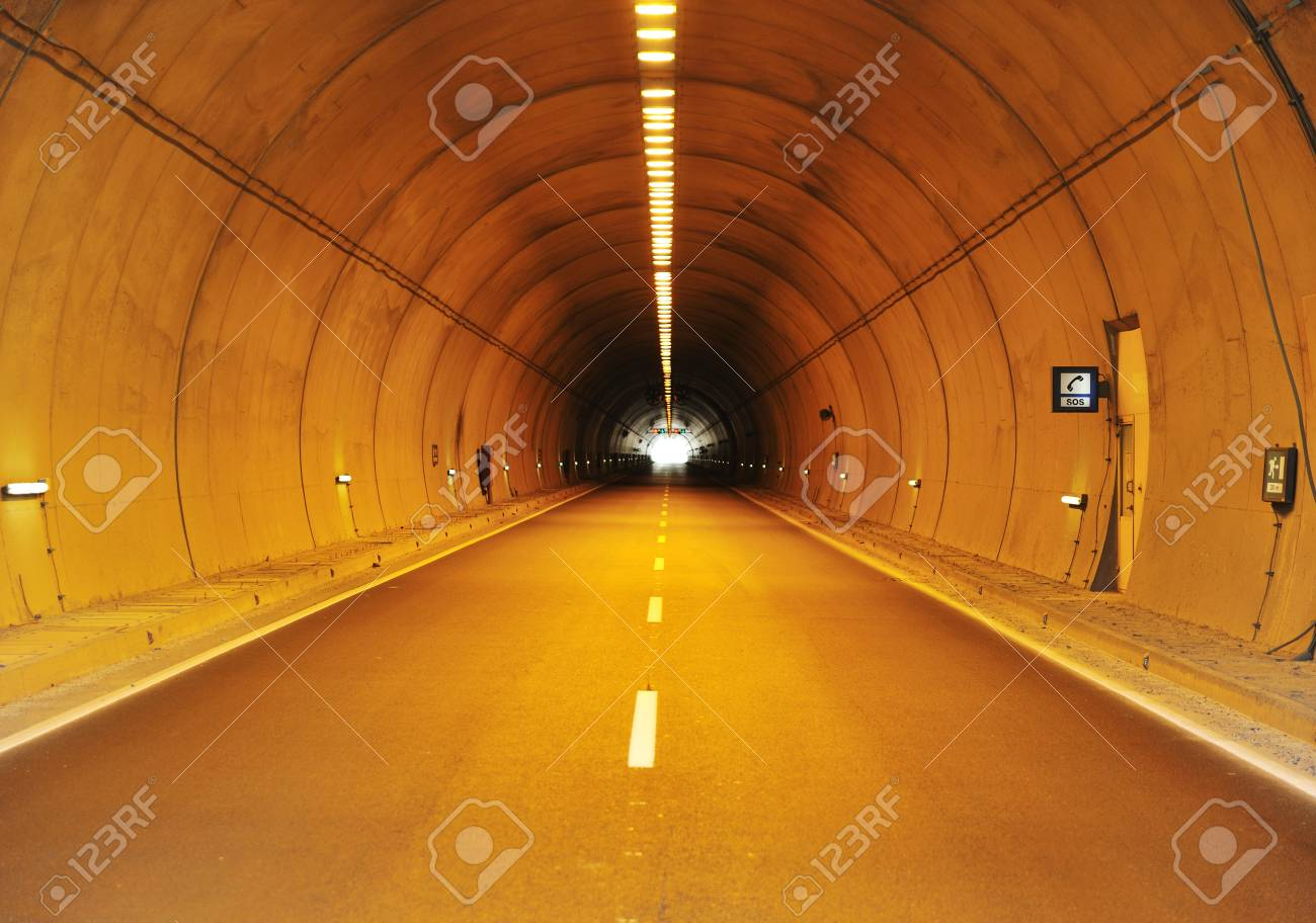 Tunnel building Stock Photo - 7992948
