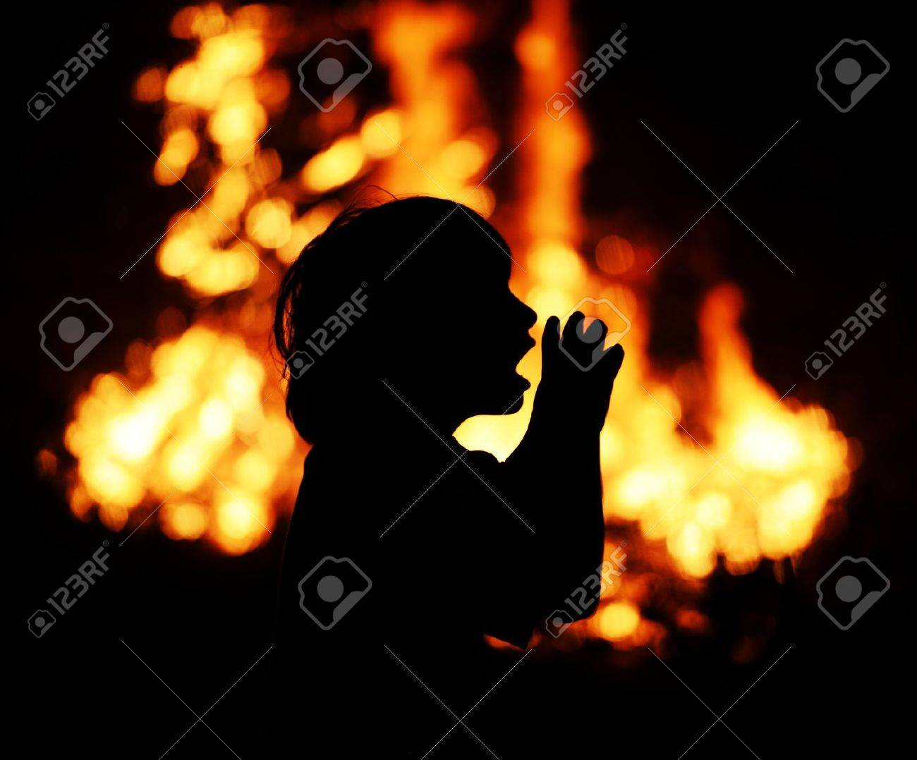 Calling for help for wildfire Stock Photo - 15634598