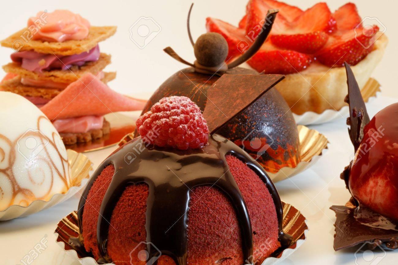 designer cakes on a pie plate Stock Photo - 515408