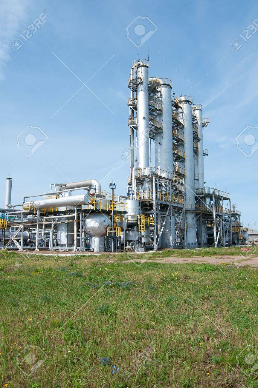 Ratification column. gas and oil industry Stock Photo - 9260660