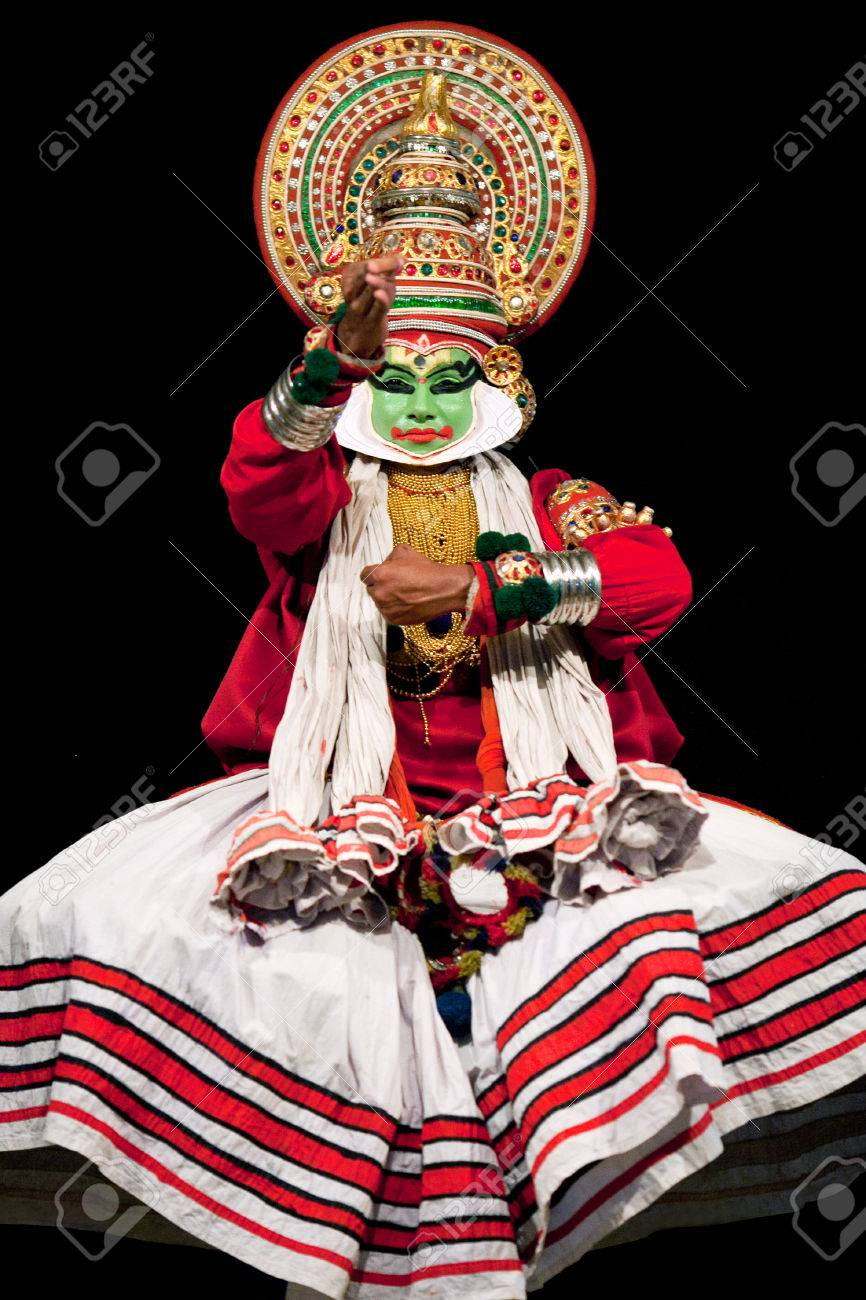 COCHIN, INDIA - FEBRUARY 16, 2010: Indian actor performing Kathakali